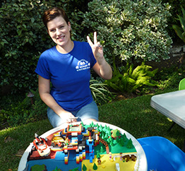 Playparty staff - woman at LEGO freestyle station